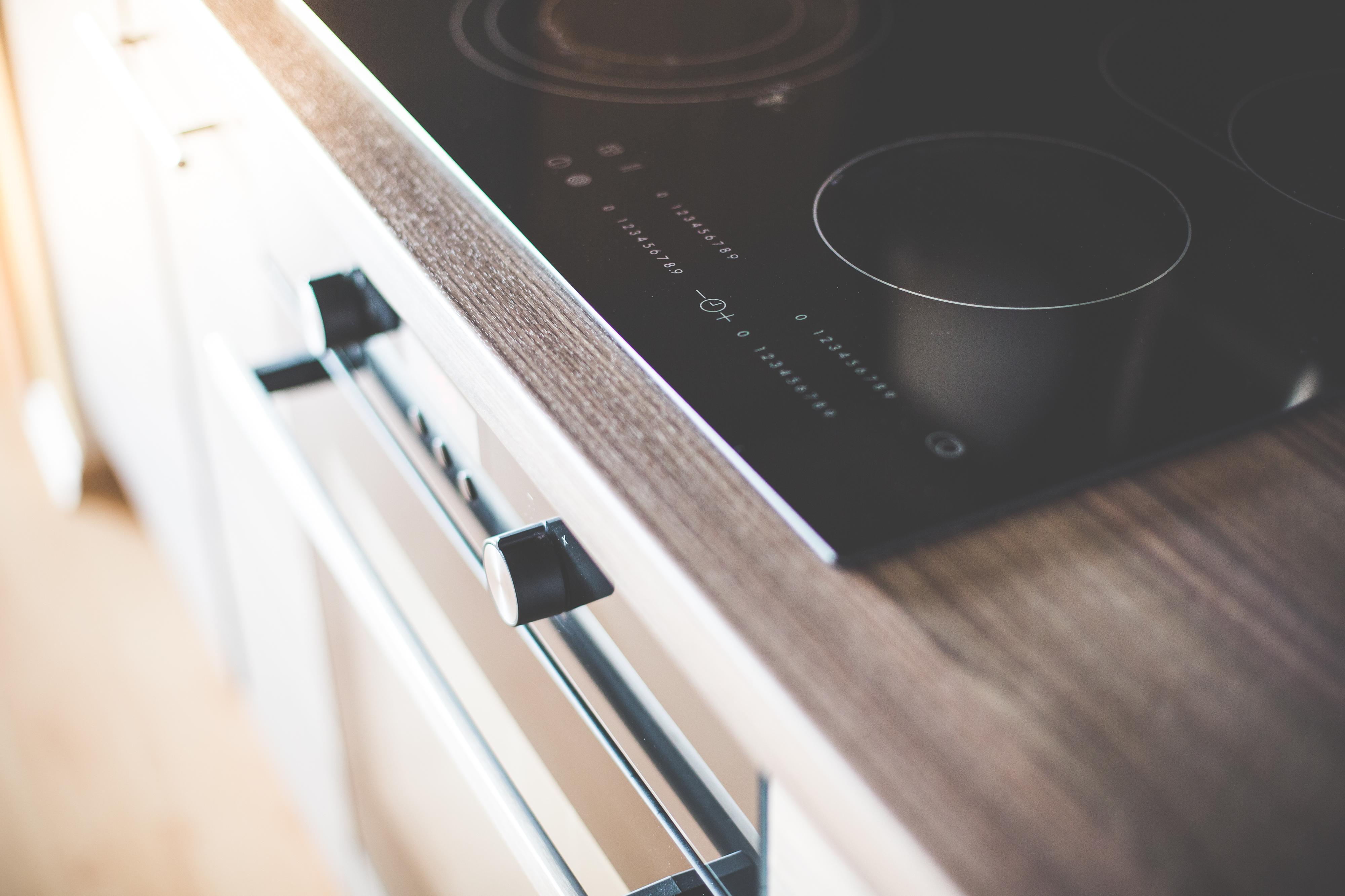 ratgeber zum thema elektroherd kaufen info test und n tzliche tipps haushaltsfrage. Black Bedroom Furniture Sets. Home Design Ideas