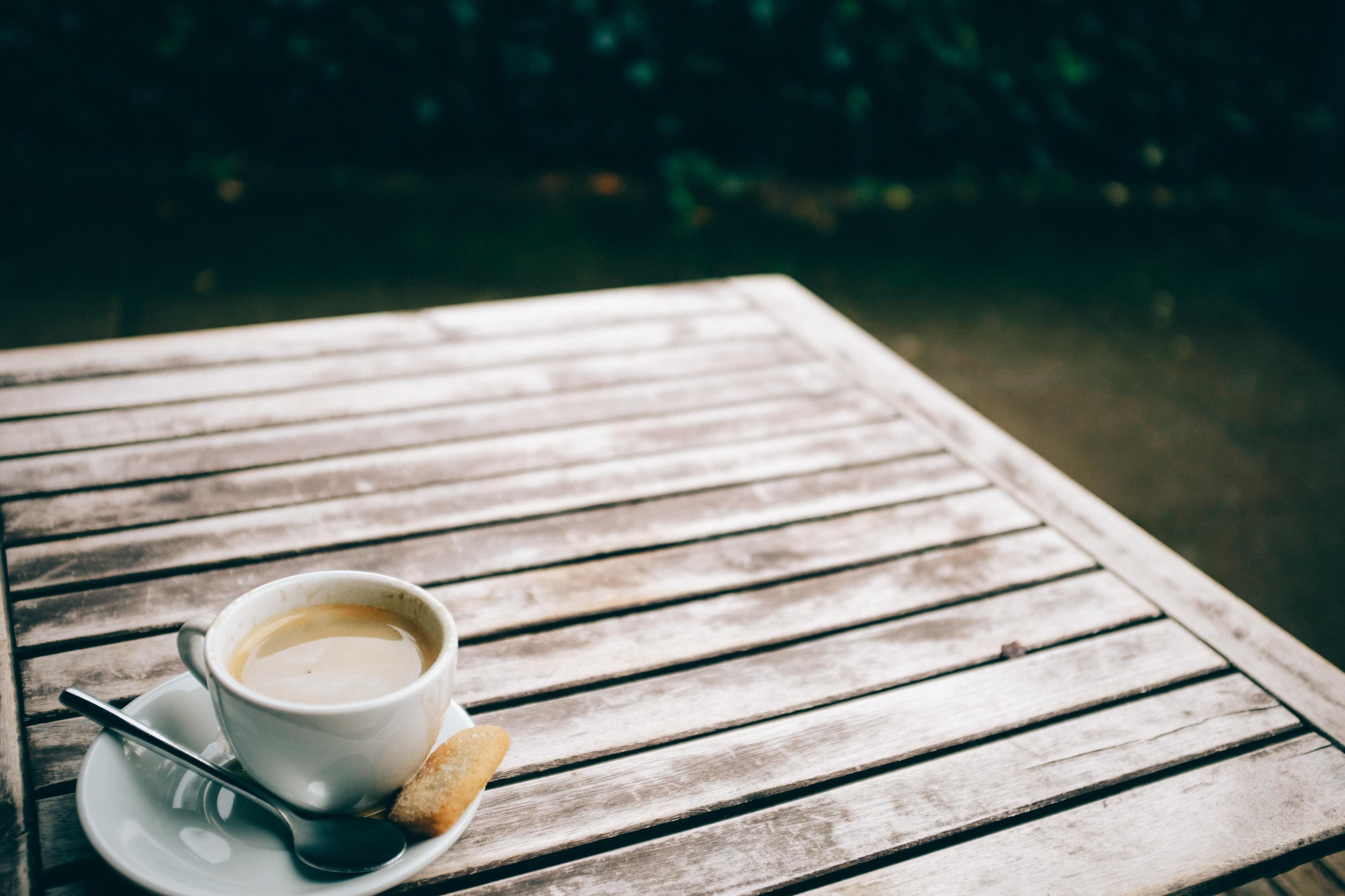 Ratgeber zum Thema Gartenmöbel pflegen kaufen. Info, Test und ...